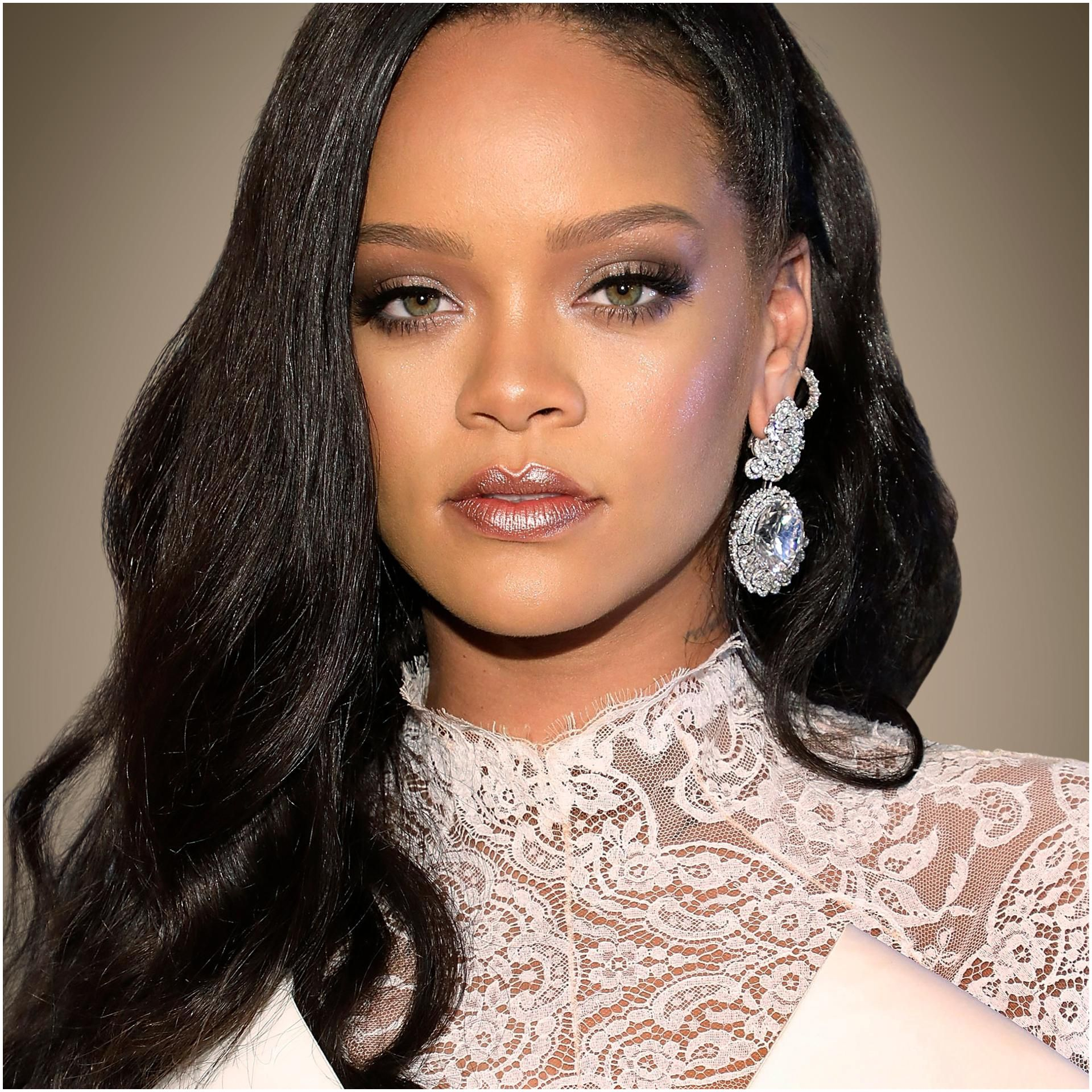 How Rihanna Created A $600 Million Fortune—And Became The World s Richest Female Musician