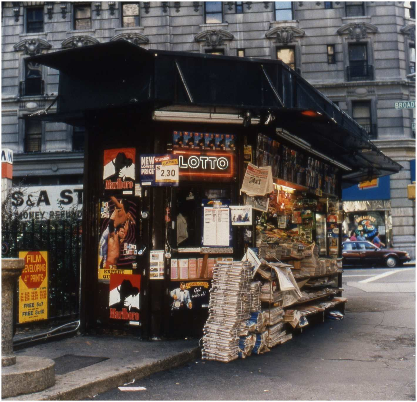 Magazine Stands Nyc these S Of 90s Newsstands Will Take You Back to A Grittier
